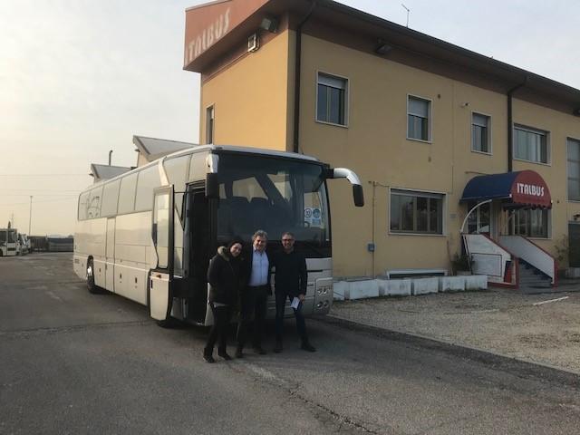 https://www.italbus.it/content/uploads/2018/02/FERERENZE-DITTA-FERRARI-MB-0350-TOURISMO.jpg